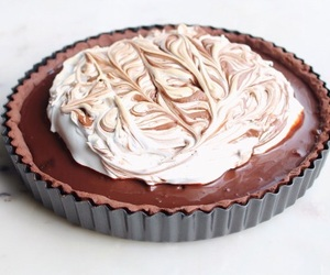 meringue, pudding, and chocolate image