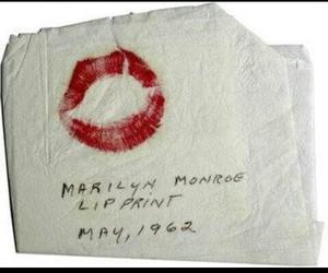 lip print and Marilyn Monroe image