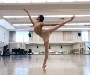 arabesque, ballerina, and Nude image