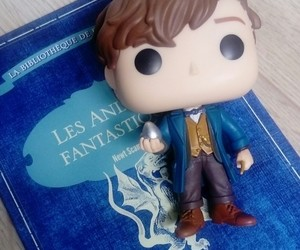 harry potter, newt scamander, and fantastic beast image