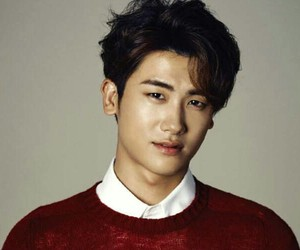 handsome, high society, and park hyung sik image