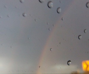 blurry, photography, and rainbow image