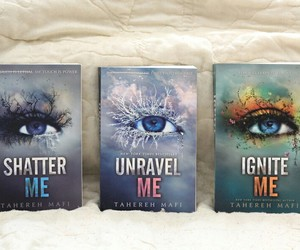 book, shatter me, and unravel me image