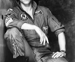 Val Kilmer and top gun image