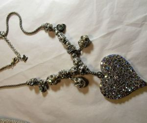 costume, vintage & antique jewelry, and necklaces & pendants image
