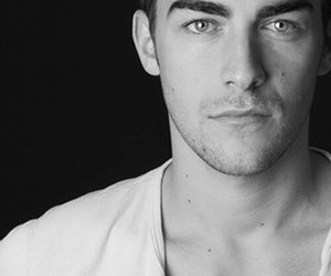 the royals, tom austen, and jasper frost image