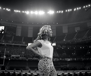 beyoncé and mrs carter image