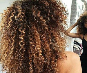 curly hair and unerenoi.509 image