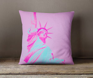 bedroom, new york, and pink pillow image