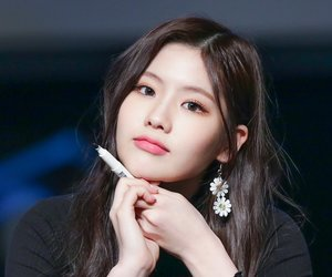 cho hyeyeon, gugudan hyeyeon, and gx9 hyeyeon image