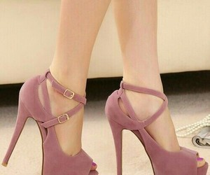 beauty, tacones, and highheels image