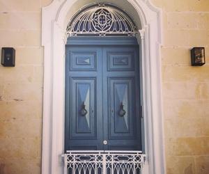 door and gate image