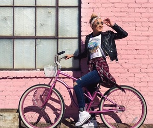 laurdiy, bike, and lauren image