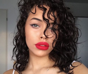 curly hair, tumblr girls, and eyes eyebrows brows image