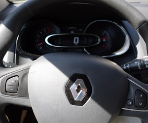 renault, steering wheel, and renault clio 4 image