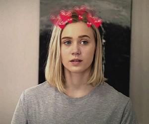 блондинка, сердечки, and скам image