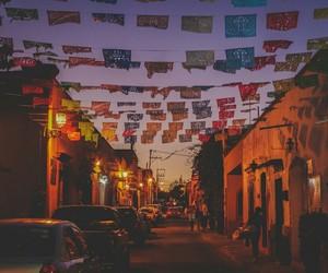 pueblo and méxico image