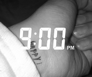 hand, night, and snap image