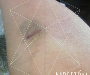 violeta, moreton, and golpes image