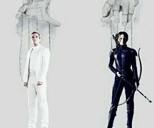 mockingjay, the hunger games, and katniss image