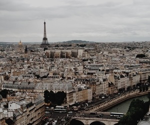 beautiful, ciudad, and cloudy day image