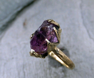 ring and violet image