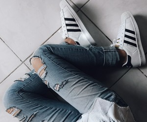 adidas, detalhes, and jeans image