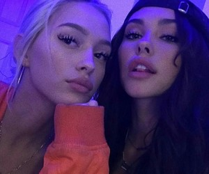 madison beer and friends image