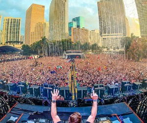 ultra music festival and hardwell image