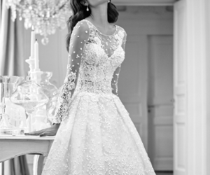 dress, fashion, and jewelry image