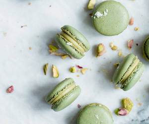 desserts, sweets, and ‎macarons image
