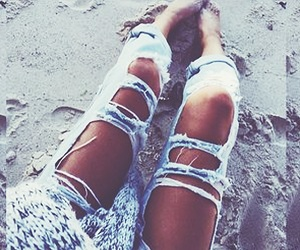 cute clothes, fashion, and ripped jeans image