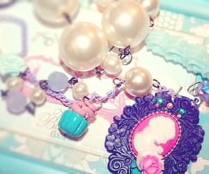 pearls image