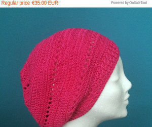 beanie, pink, and slouchy image