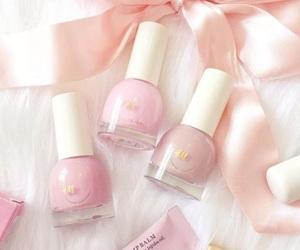 girly, وردي, and nail polish image