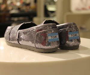 toms, beautiful, and shoes image