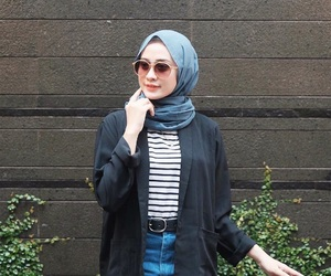 muslim and outfit image