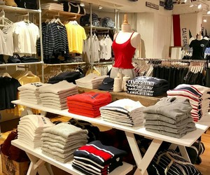 store and brandy melville image