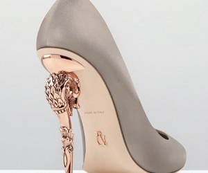 shoes, made in italy, and baroque pump image