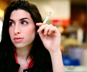 Amy Winehouse, amy, and cigarette image