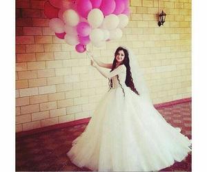 girl, بدله, and فستان image