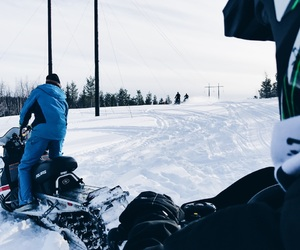 winter, polaris, and sleds image