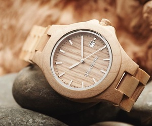 gift and watch image