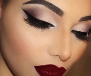 contour, eyes, and lips image