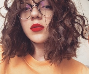 brunette, pull, and red lips image