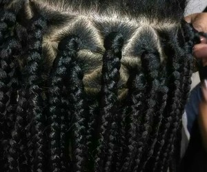weave, box braids, and triangle part image