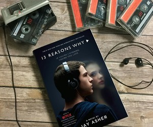 book, 13 reasons why, and netflix image