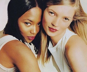 kate moss, Naomi Campbell, and 90s image