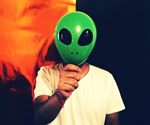 aesthetic, alien, and aliens image