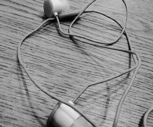 aesthetic, black and white, and music image
